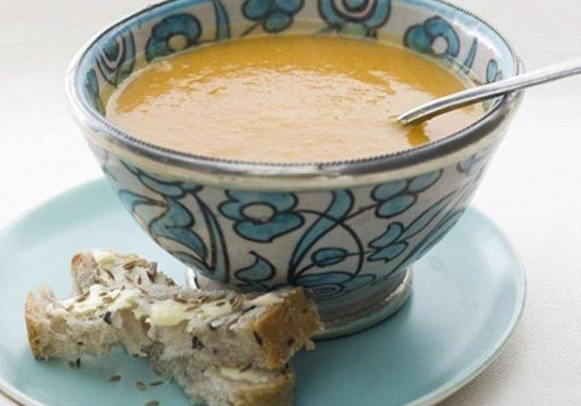 Receta: Sopa de ajo al pimentón