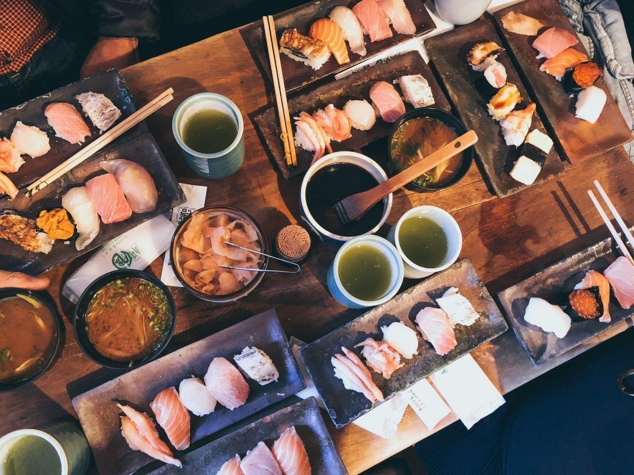 Sushi, sashimi, Japón