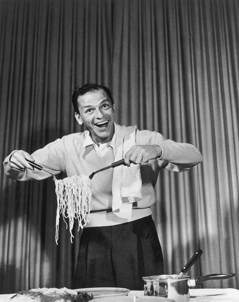 Frank Sinatra: Comida picante y 32 sorbos de bourbon