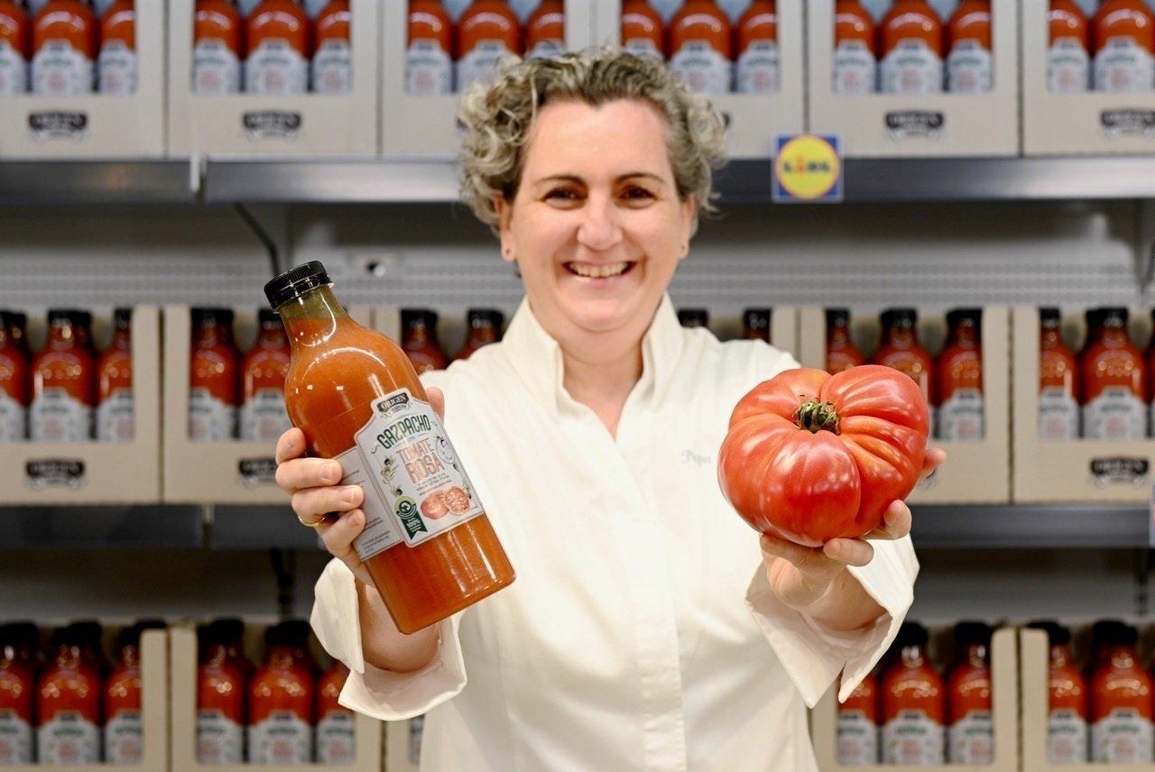 Así es el gazpacho de tomate rosa de la chef Pepa Muñoz y Lidl